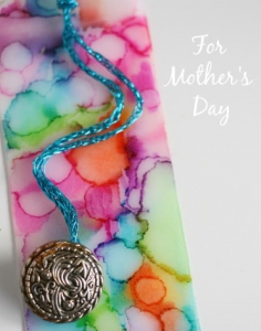Tie-Dye Sharpie Bookmarks